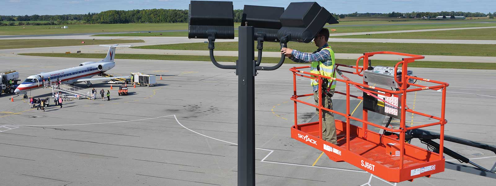 Rent Aerial Work Platforms in the Chicago Metro area